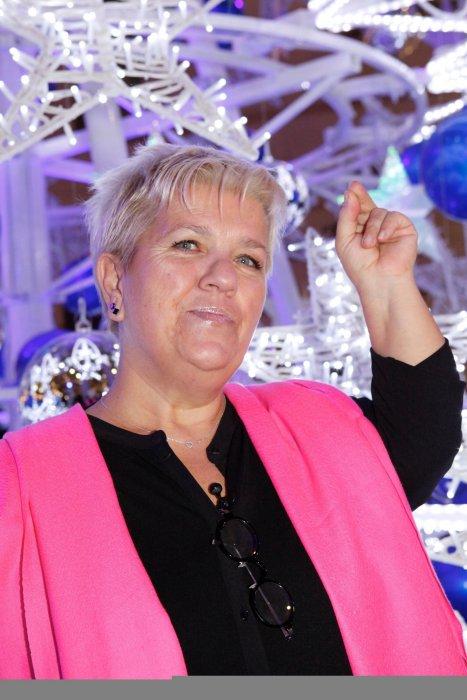 Mimie Mathy inaugure les illuminations du Forum des Halles à Paris, le 21 novembre 2012.