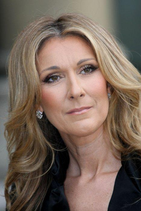 Céline Dion pose à l\