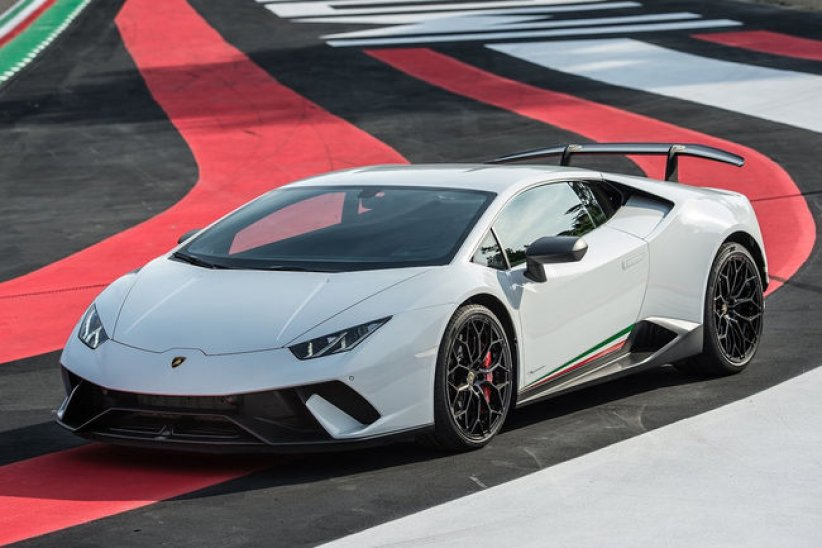 Production : Lamborghini à la fête