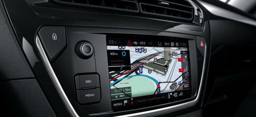 Peugeot 301 : une intégration triple play pour le smartphone