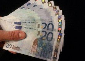 Assurance-vie : les épargnants hésitent à s'engager
