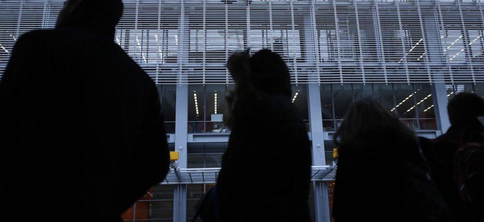Presse : Donald Trump n'aime pas les journalistes, mais il fait vendre
