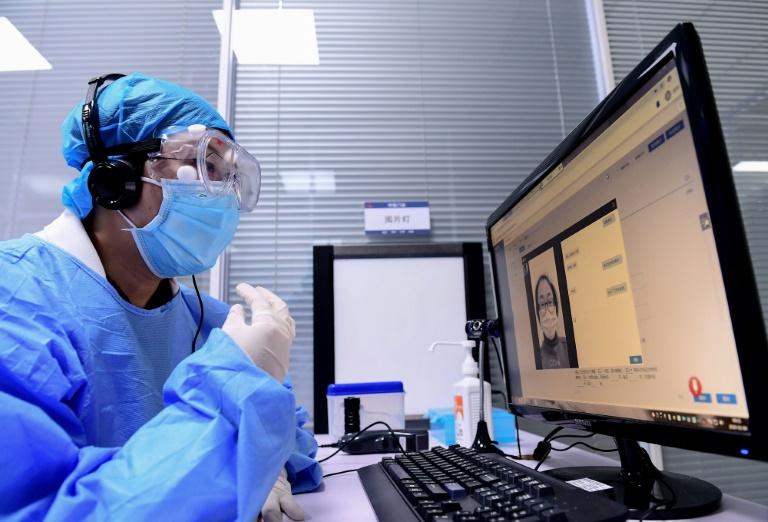 Coronavirus : un deuxième mort hors de Chine, le pays admet des