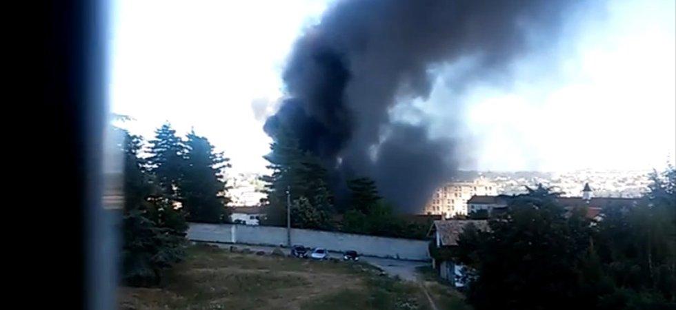 VIDÉO - Ardèche : incendie à l'hôpital d'Annonay après une explosion