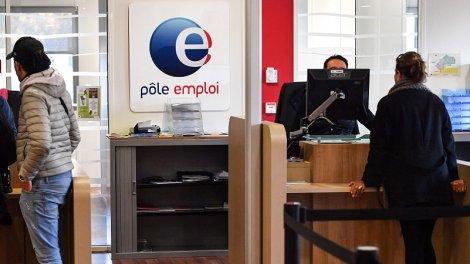 Aide aux travailleurs précaires : Pôle emploi va demander le remboursement des trop-perçus - Actu Orange