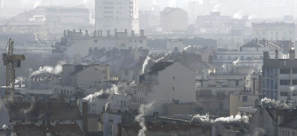 "Pollution : la moitié nord du pays suffoque, ""neige industrielle"" en Île-de-France"
