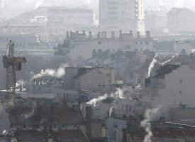 "Pollution : la moitié nord du pays suffoque, ""neige industrielle"" en l'Île-de-France"
