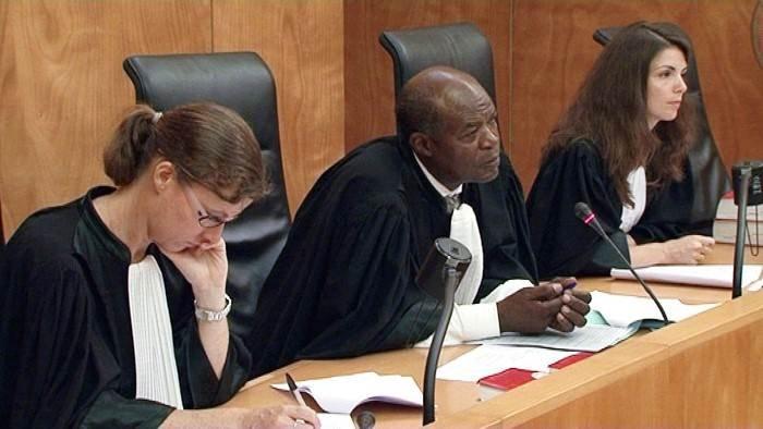 En direct du tribunal