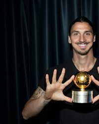 "Zlatan Ibrahimovic : la star du foot s'improvise ""Enfoiré"" !"