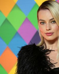 Star du prochain Pirates des Caraïbes, Margot Robbie éclipse Johnny Depp