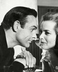 Disparition de Honor Blackman : trois performances iconiques de l'actrice