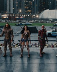 Aquaman : Jason Momoa veut Flash et Wonder Woman dans la suite