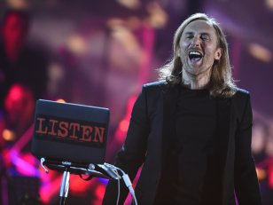 "David Guetta dévoile son nouveau single ""Would I Lie To You"""