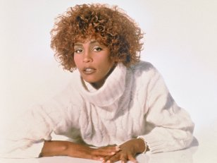 Whitney Houston : sa tournée en hologramme passera par Paris en mars 2020