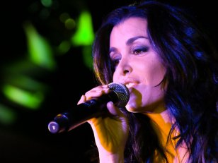 "Jenifer annonce son grand retour avec le single ""Paradis secret"""