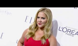 Le look et le message percutants d'Amy Schumer