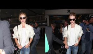 Rosie Huntington-Whiteley a le teint frais à LAX