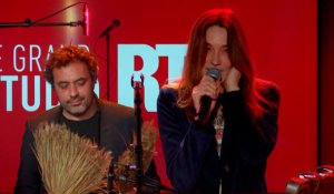 Carla Bruni - Un grand amour (Live) - Le Grand Studio RTL