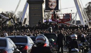 700 bikers escortent Johnny Hallyday pour un ultime adieu