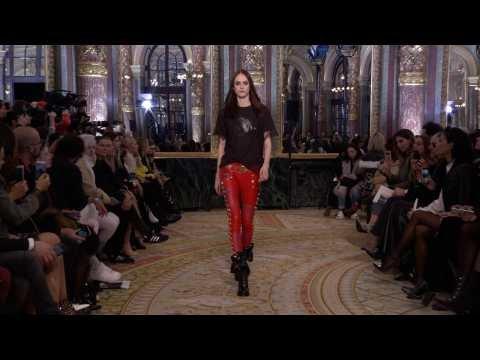 8cad0a668f4e Défilé REDEMPTION - Collection Femme Automne Hiver 2018 19 à Paris (avec  interview)