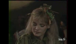 Questions cons : Arielle Dombasle