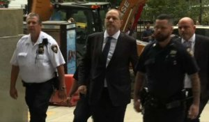 Harvey Weinstein arrive au tribunal