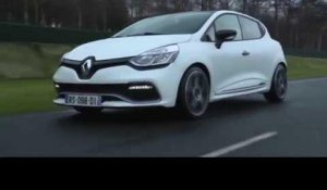 The limited-edition Renault Clio R.S. 220 EDC Trophy Driving Video | AutoMotoTV