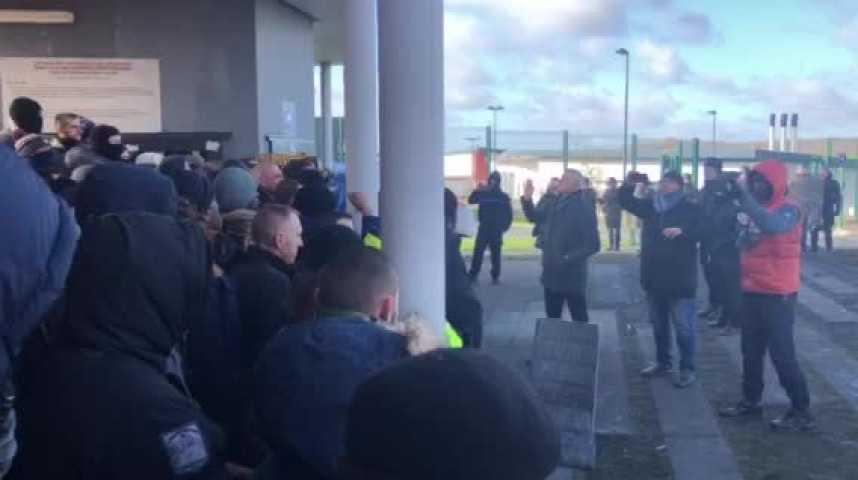 Blocage De La Prison D Alencon Conde Sur Sarthe Les Surveillants