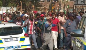 Violences à Johannesburg: la police disperse les manifestants