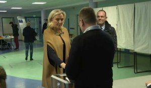 Municipales: Marine Le Pen vote à Hénin-Beaumont