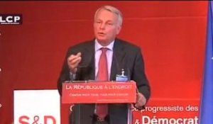 Jean-Marc Ayrault invite au courage