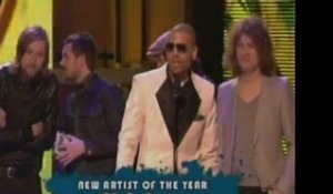 MARY J BLIGE WINS 9 BILLBOARD AWARDS, TI, AND NICKELBACK ALSO WIN BIG