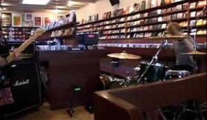 Blood Red Shoes - Doesn't Matter Much (Live Concerto instore Amsterdam)