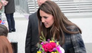 La Duchesse de Cambridge Kate Middleton regarde les Kardashian