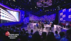 "Stéphane Guillon parodie François Hollande dans ""Le Grand Journal"""
