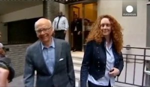 "Procès des écoutes ""News of the World"" : Coulson reconnu coupable, Brooks acquittée"