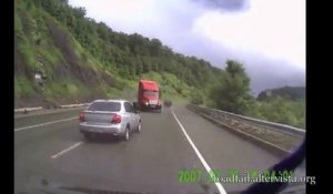 Les accidents de camion les plus violent jamais vu! Compilation de crash!