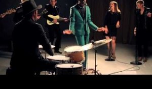 Leon Bridges vindt moderne popmuziek over de top