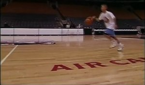Quand Stephen Curry, 11 ans, marquait du milieu du terrain à l'Air Canada Center