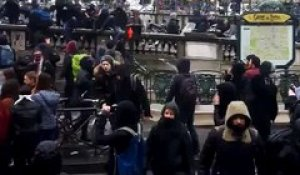Incidents à Paris lors de la manifestation contre la loi Travail