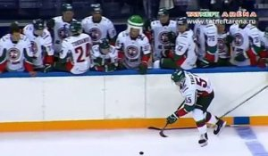 Un but de hockey incroyable marqué en Russie