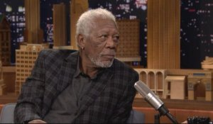 Morgan Freeman donne à Jimmy Fallon des conseils de blues - The Tonight Show du 27/03 - CANAL+