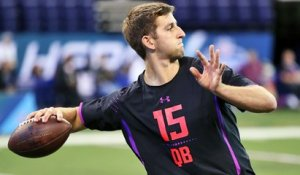 Who is Josh Rosen's pro player comparison?