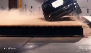 Tesla Model X, le SUV impossible à renverser