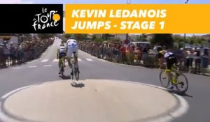 Kevin Ledanois jumps - Étape 1 / Stage 1 - Tour de France 2018
