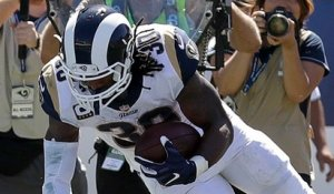 Todd Gurley punches run in for two-point conversion