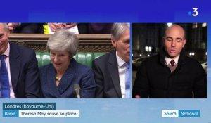 Brexit : Theresa May reste en place, mais partira en 2022