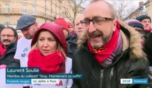 """Foulards rouges"" : premier défilé à Paris"