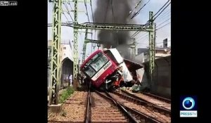 Déraillement impressionnant d'un train au Japon !