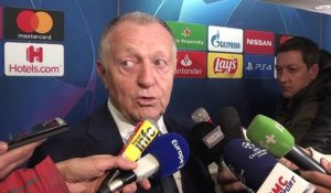 OL : Jean-Michel Aulas tape du poing sur la table